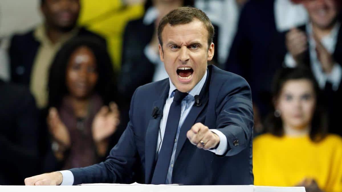 Emmanuel Macron énervé contre ses secrétaires