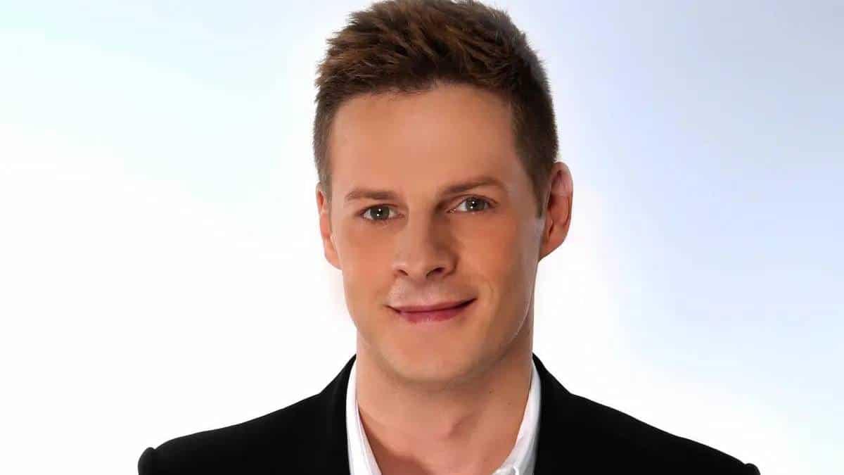 """Matthieu Delormeau """"TPMP"""" dévoile les raisons de son départ de l'émission!"""