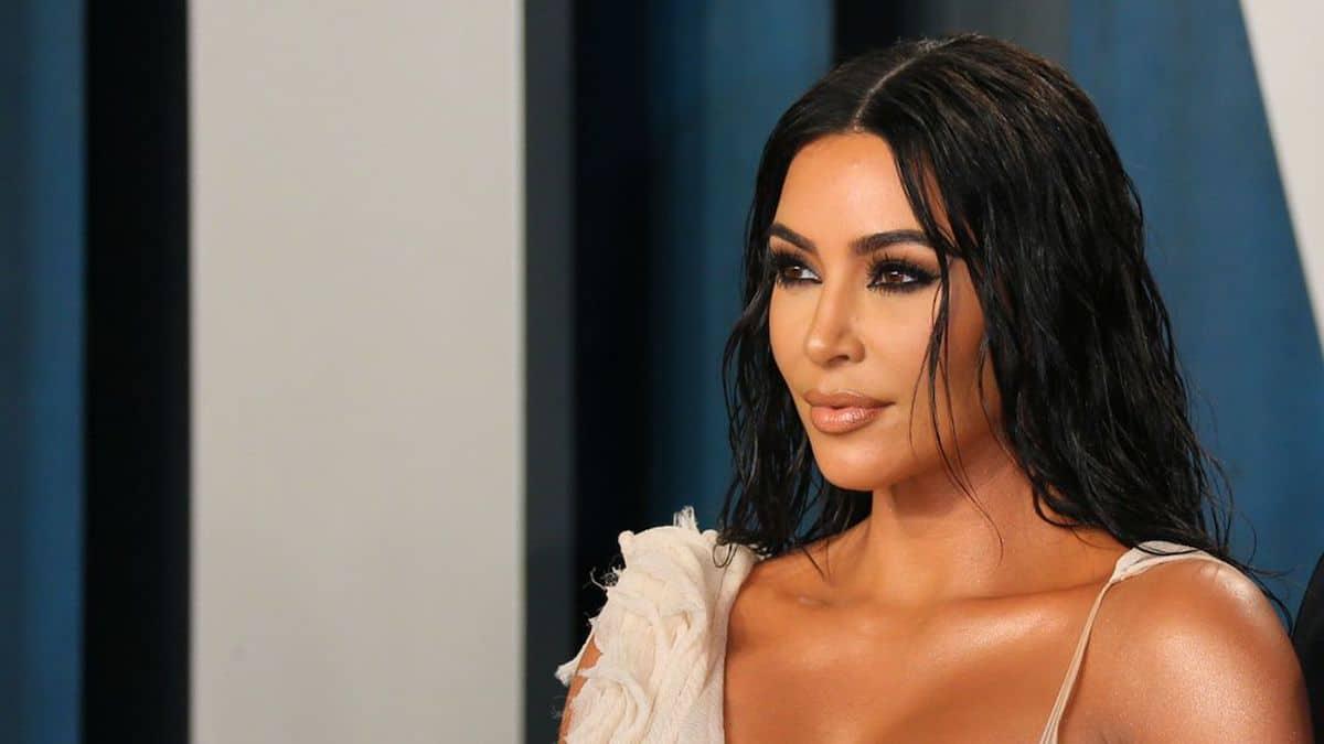 Kim Kardashian révèle des photos dans sa salle de bain, les internautes adorent