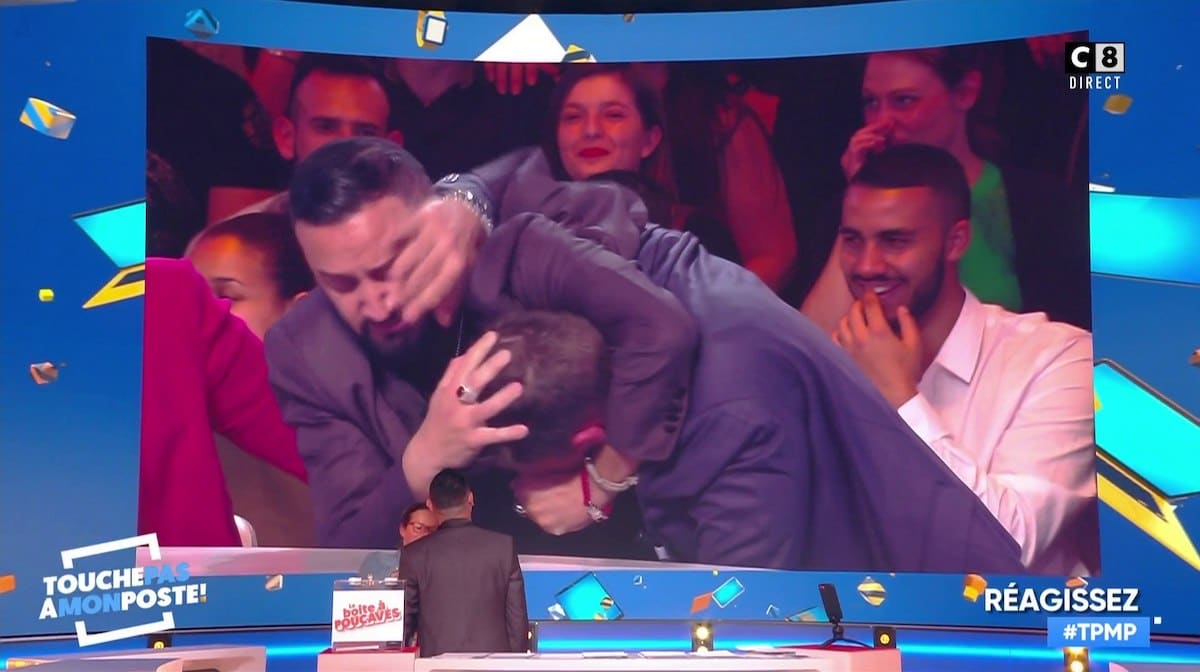 Énorme incident sur le plateau de TPMP (VIDEO) entre vigiles et manifestants, Hanouna intervient !