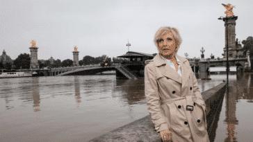 Evelyne Dhéliat, en forme à 72 ans, sa silhouette impressionne, elle livre les secrets de sa silhouette de rêve !