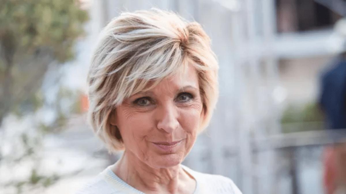 Evelyne Dhéliat se prépare-t-elle à partir à la retraite ? Elle dit tout !